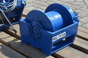 2 tonnes hydraulic winch