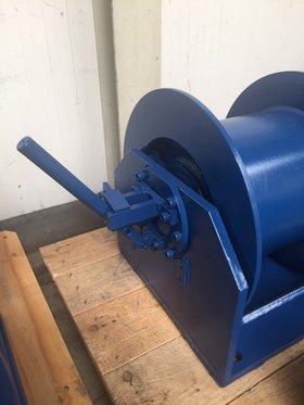 2,5 tonnes hydraulic winch with clutch 3-25