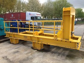 Hoisting frame with winch for multicat WLL 75 kN