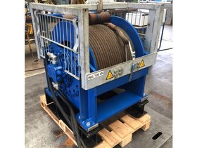 12T hydraulic winch with drum guard