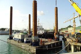 Jack-up system for pontoon